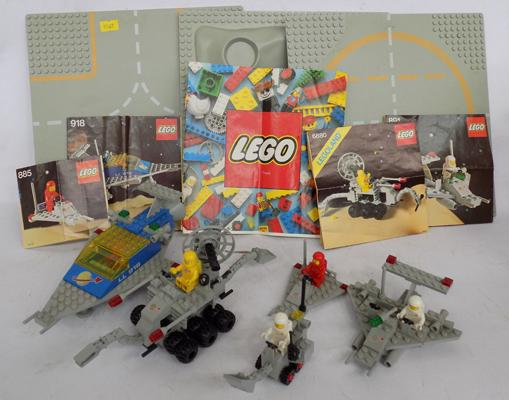 Lego Space 1979, 4x base boards & 5 models, with instructions