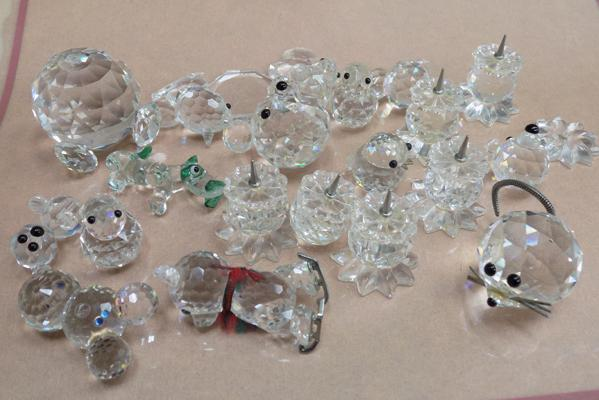 Tray of mixed Swarovski - all for repair