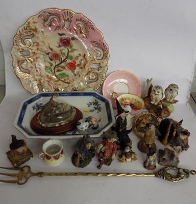 Box of collectables inc Aynsley