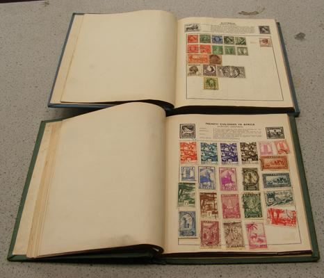 2x Universal stamp albums
