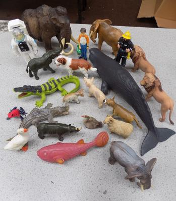 22x Schleich/Papo/ELC/AAA figures-mammouth/whale/farm/safari/space/Police