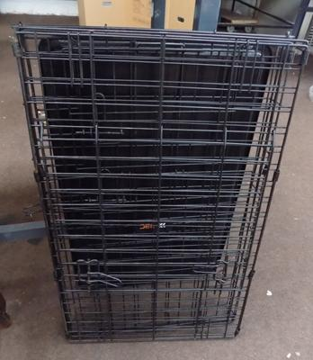 Black foldable dog crate