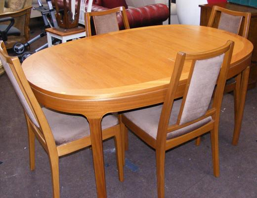 Oval extending table & four chairs