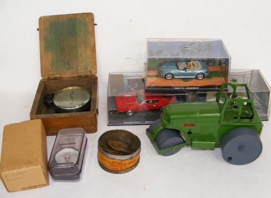 Box of mixed collectables, incl. coins & diecast cars