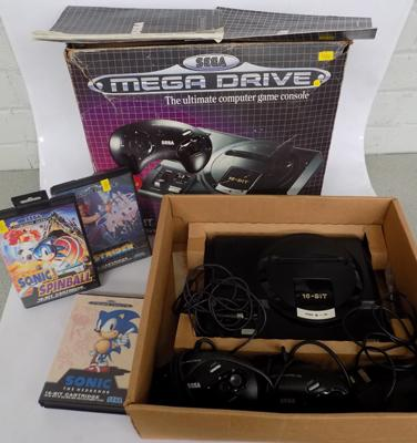 Boxed Sega Mega Drive console + 3 games & 2 controllers in working order
