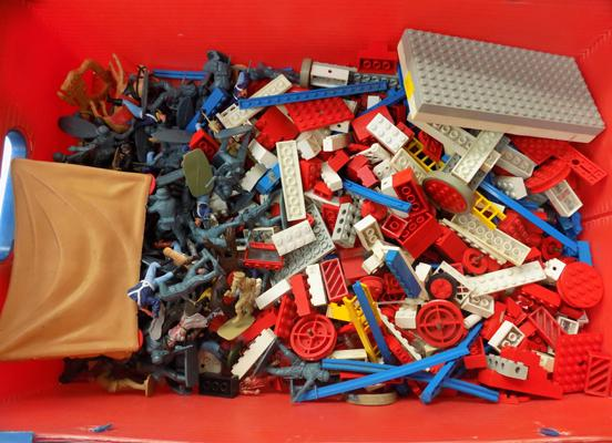 Box of Lego and soldiers