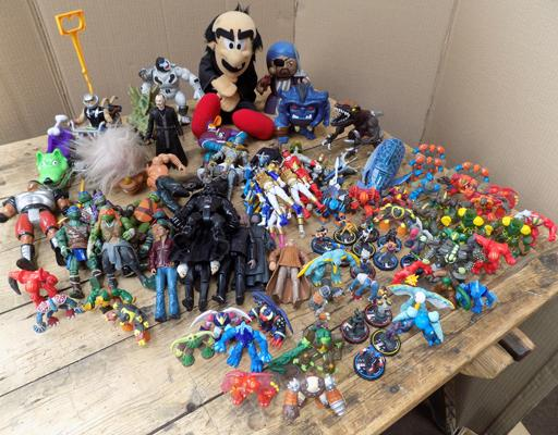 Mixed loose collectable toys