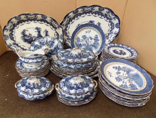 Large Valencia china dinner service, some damage