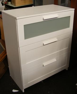 Set of white bedroom drawers