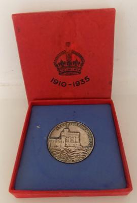 1935 silver coronation medal - boxed