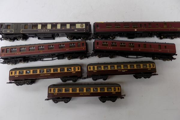 7-00 gauge coaches