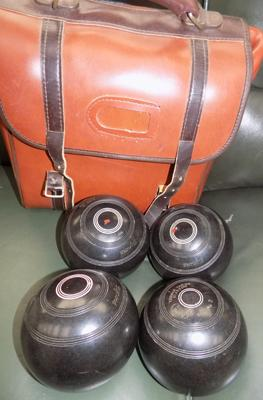 Set of 4 Thomas Taylor bowls and satchel bag