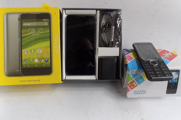 Google Smart phone (boxed) with all accessories - tied to EE and one other