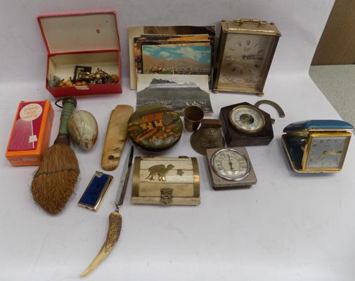 Assortment of antique and vintage collectables incl. jewellery, yellow metal locket, brooches, lighters, Onyx etc.