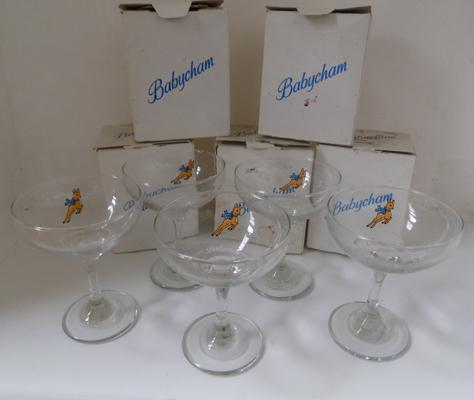 5 vintage Babysham glasses - boxed