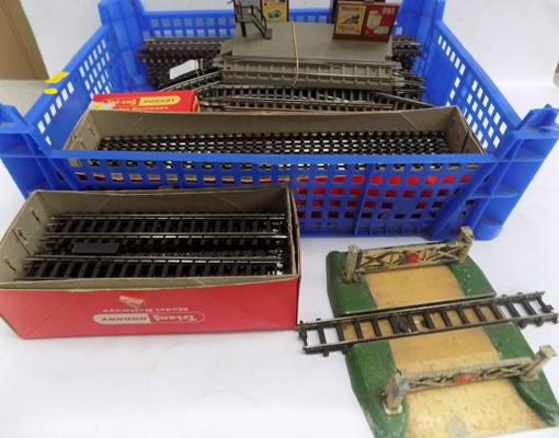 Triang/Hornby track - some boxed (as new), buildings and level crossing