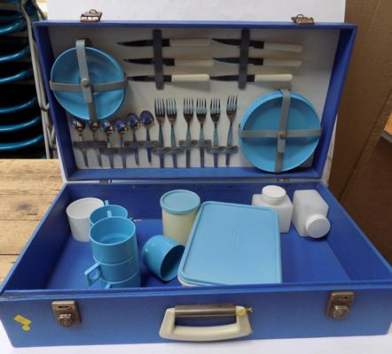 1950's Picnic set - very good condition