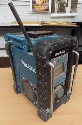 Makita site radio with battery - GW/O