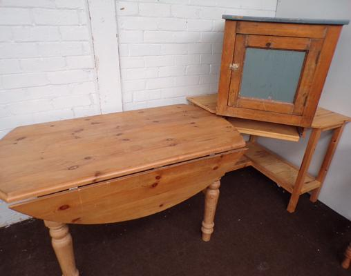 Selection of pine furniture incl. corner computer station, farmhouse dining table and small pine cupboard