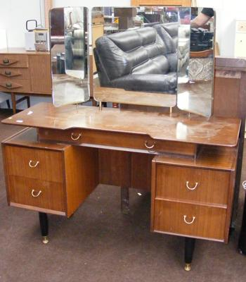 Retro mirrored dressing table