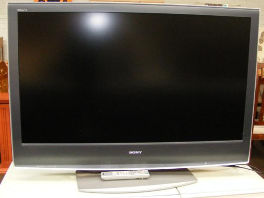 Sony Bravia flat screen TV in W/O with remote - approx.46""