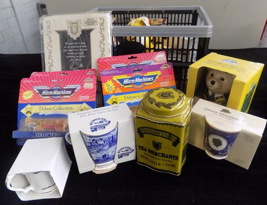 Large selection of collectables incl. Ringtons