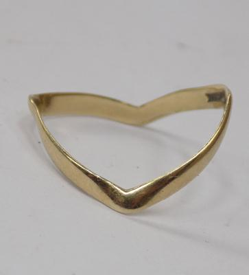 9ct gold hallmarked double wishbone ring - R 1/2