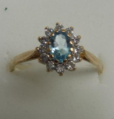 9ct gold blue topaz cluster ring, size S 1/2