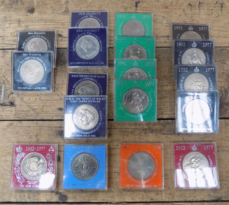 18x cased crown coins