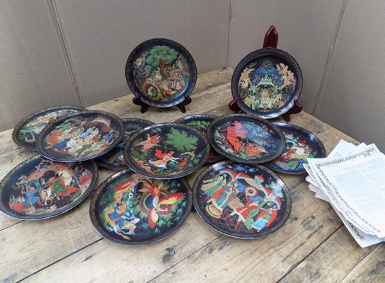 12 x oriental plates with certificates