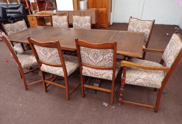 Large extending oak table + 8 chairs