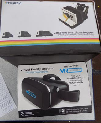 Virtual reality headset + Polaroid Smartphone projector