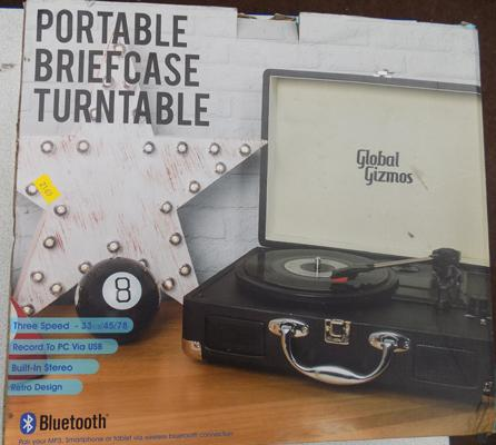 Boxed portable briefcase turntable