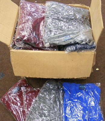 Box of 20 new acrylic jumpers (mixed sizes/colours)