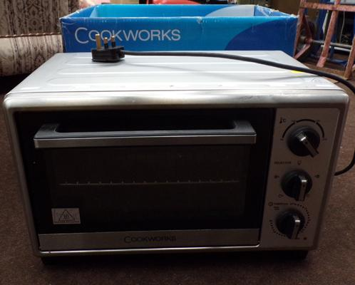 Cookworks mini-oven with instructions - W/O