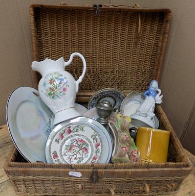 Basket of collectables incl. Aynsley, Hornsea