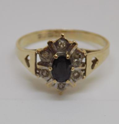 9ct gold diamond and sapphire cluster ring - size S1/2