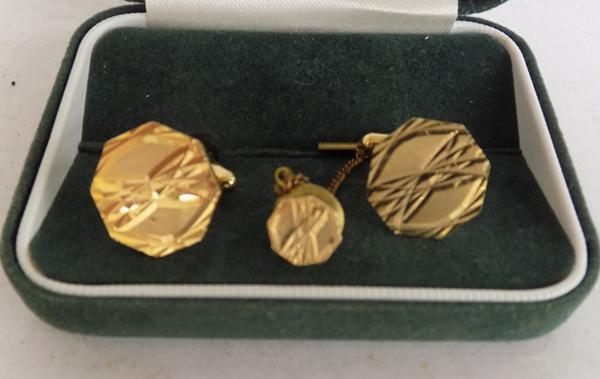M&S gold plated cufflinks and tie pin - boxed
