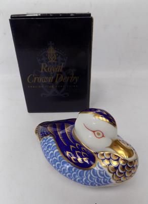 Royal Crown Derby - duck with gold stopper