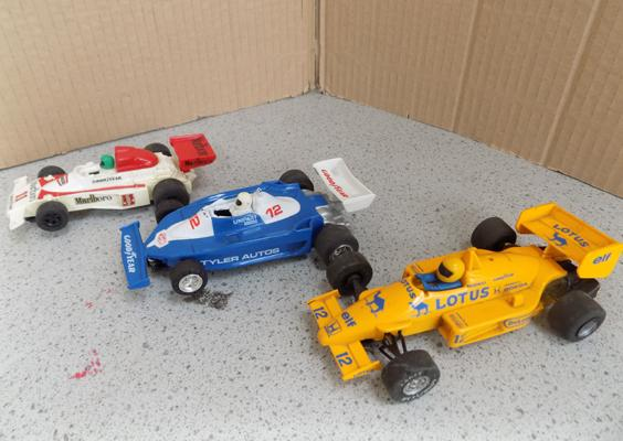 3 vintage Scalextric cars