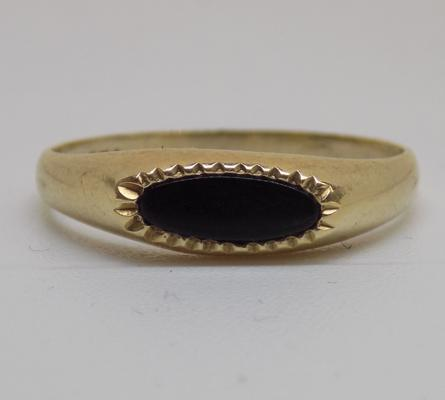 9ct gold black onyx signet ring - size L