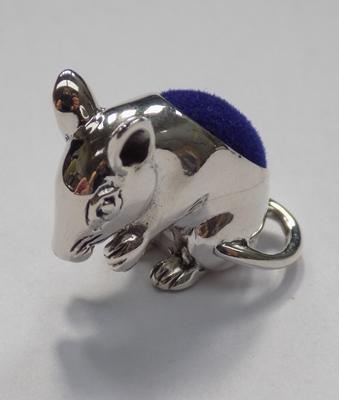Silver mouse pin cushion
