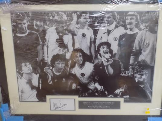 Aston Villa European cup winners 1982 signed photo - signed by Allan Evans