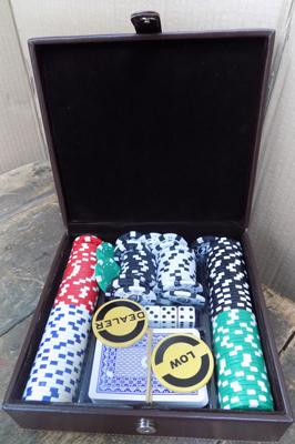 Casino/Poker gaming set, in wood & leather case - good condition