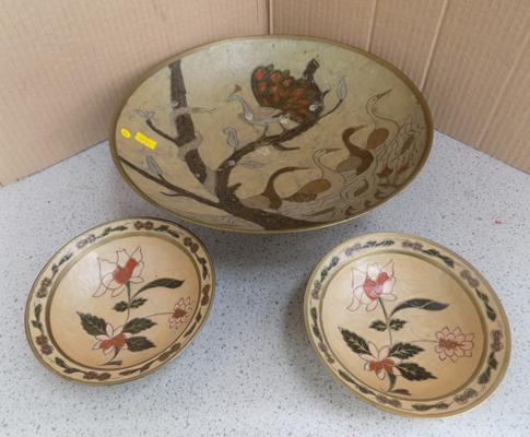 Large brass vintage fruit bowl with inlaid enamel bird relief + 2 small bowls