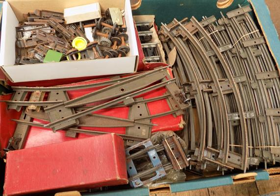 Box of Hornby '0' gauge track + 6 points, some boxed