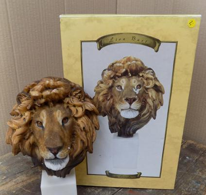The Leonardo Collection - Lion bust, in original box  -  good condition