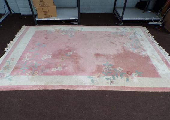 Wool pile rug - approx. 5ft x 10ft