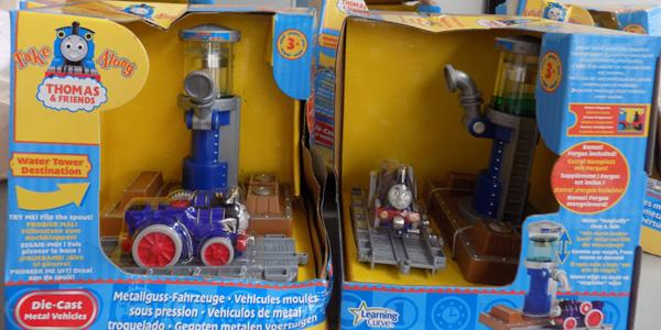 5 Thomas Tank engine play sets with die-cast train (damaged boxes)