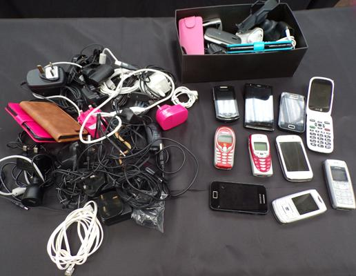 Large selection of mobile phones, cases and chargers